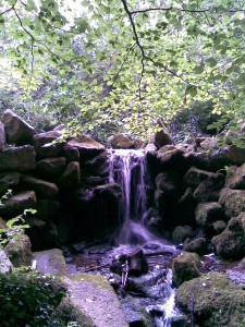 waterfall picture - what is mindfulness